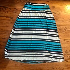 Adorable blue black and white XL maxi skirt